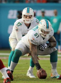 Mike-Pouncey-Ryan-Tannehill-Miami-Dolphins