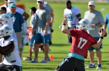 ryan-tannehill-nfl-miami-dolphins-training-camp-590x900