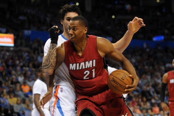 hassan-whiteside-steven-adams-nba-miami-heat-oklahoma-city-thunder.jpg