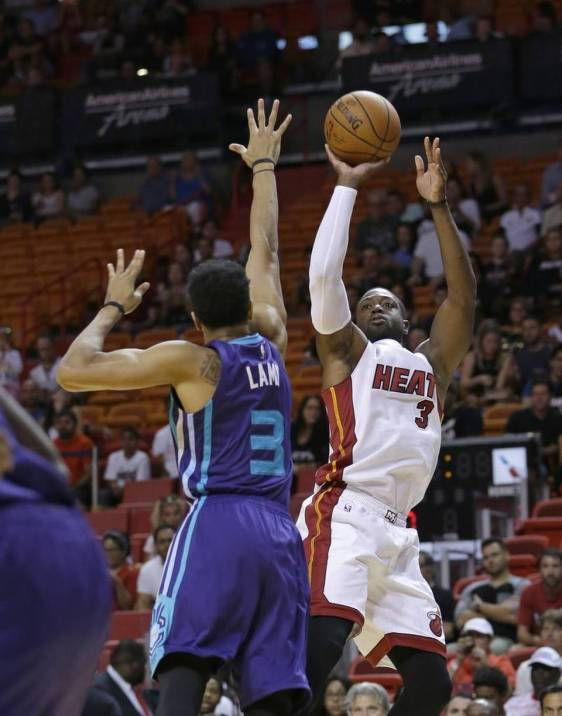 Hornets Heat Basketball(3).jpeg