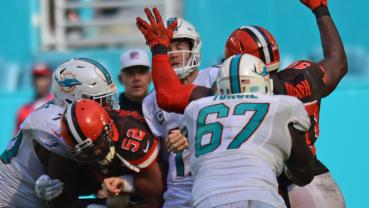 sfl-photos-cleveland-browns-at-miami-dolphins-029